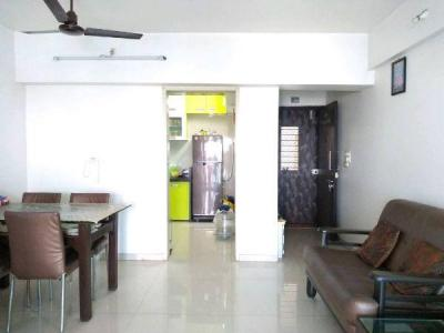 Gallery Cover Image of 900 Sq.ft 2 BHK Apartment for buy in Cosmos Empress Park, Kasarvadavali, Thane West for 9600000