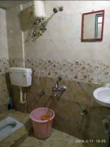Bathroom Image of Sanjay PG Service in Ghansoli