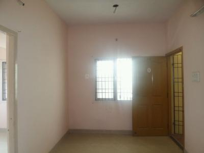 Gallery Cover Image of 700 Sq.ft 2 BHK Apartment for rent in Valasaravakkam for 11000