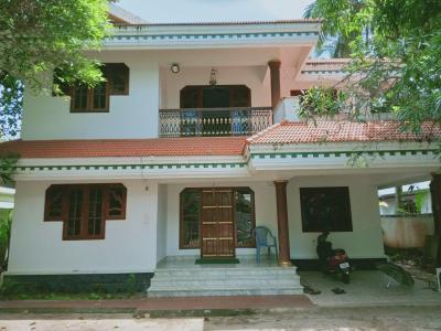 Gallery Cover Image of 2000 Sq.ft 3 BHK Independent House for buy in Chembukkav for 14000000