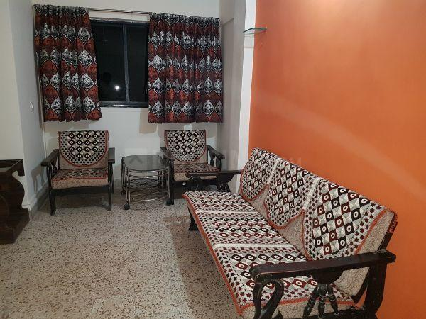 Living Room Image of 625 Sq.ft 1 BHK Apartment for rent in Thane West for 25000