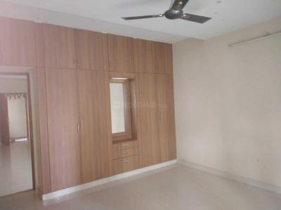 Gallery Cover Image of 1600 Sq.ft 3 BHK Apartment for rent in Perungudi for 26000