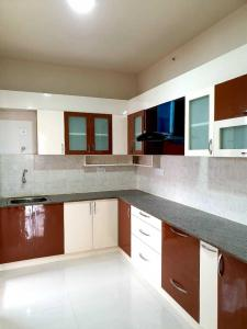 Gallery Cover Image of 1397 Sq.ft 3 BHK Apartment for rent in DivyaSree Republic Of Whitefield, Brookefield for 35000