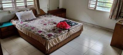 Gallery Cover Image of 2160 Sq.ft 4 BHK Independent Floor for buy in Navrangpura for 11100000