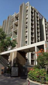 Gallery Cover Image of 1608 Sq.ft 2 BHK Apartment for rent in Scarlet Height, Jodhpur for 26000