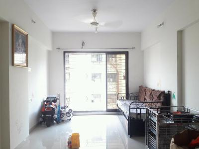 Gallery Cover Image of 925 Sq.ft 2 BHK Apartment for rent in Dahisar West for 26000