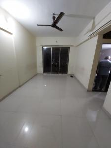 Gallery Cover Image of 810 Sq.ft 2 BHK Apartment for rent in Kasarvadavali, Thane West for 17000