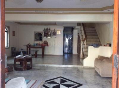 Gallery Cover Image of 3700 Sq.ft 6 BHK Independent House for rent in Borivali West for 125000