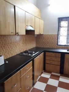 Gallery Cover Image of 2025 Sq.ft 2 BHK Apartment for rent in Bhowanipore for 85000