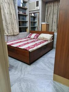 Gallery Cover Image of 900 Sq.ft 2 BHK Apartment for buy in Sion for 19500000