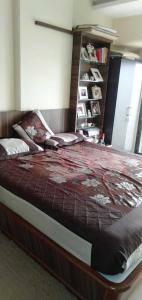 Gallery Cover Image of 1200 Sq.ft 2 BHK Apartment for rent in Parel for 80000