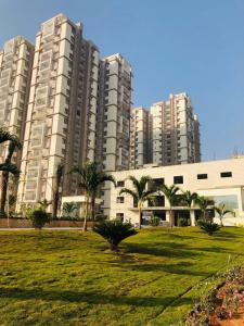 Gallery Cover Image of 2800 Sq.ft 3 BHK Apartment for rent in Khanapur for 80000