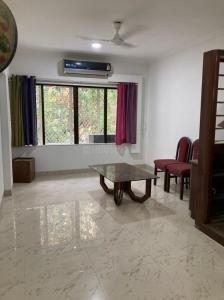 Gallery Cover Image of 1800 Sq.ft 3 BHK Apartment for rent in Bandra West for 135000
