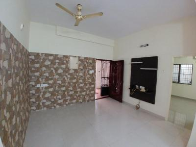 Gallery Cover Image of 1100 Sq.ft 3 BHK Apartment for rent in Thoraipakkam for 18000
