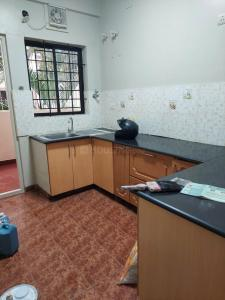 Gallery Cover Image of 1300 Sq.ft 2 BHK Apartment for buy in Phoenix Orchid Appartment, Singasandra for 5500000