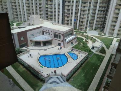 Gallery Cover Image of 1505 Sq.ft 3 BHK Apartment for buy in Supertech Cape Town, Sector 74 for 7400000
