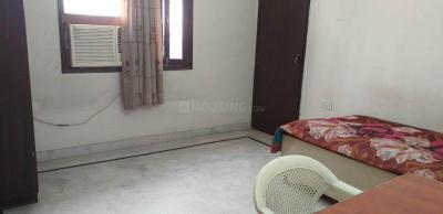 Bedroom Image of Chauhan Boy PG in Karol Bagh