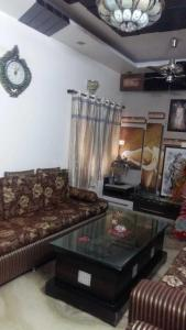Gallery Cover Image of 950 Sq.ft 2 BHK Independent Floor for rent in Ac Block, Shalimar Bagh for 25000