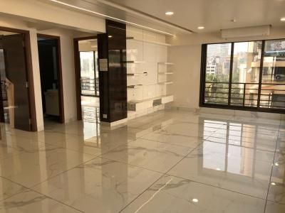 Gallery Cover Image of 1666 Sq.ft 3 BHK Apartment for rent in Khar West for 220000