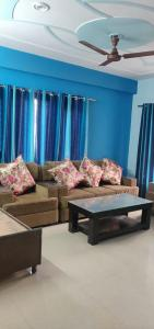 Gallery Cover Image of 1300 Sq.ft 2 BHK Independent Floor for rent in Sector 48 for 28000