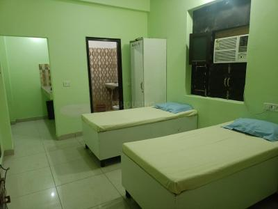 Bedroom Image of Ashmeet PG in Sector 99