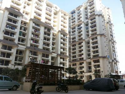 Gallery Cover Image of 1045 Sq.ft 3 BHK Apartment for buy in Mahagunpuram for 3100000
