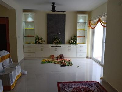Gallery Cover Image of 983 Sq.ft 2 BHK Apartment for rent in Kannur for 15000