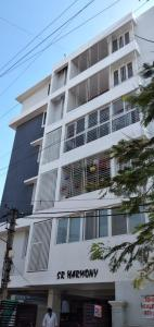 Gallery Cover Image of 1700 Sq.ft 3 BHK Apartment for rent in Basaveshwara Nagar for 60000