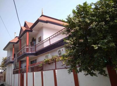 Gallery Cover Image of 2560 Sq.ft 5 BHK Independent House for buy in Chinhat Tiraha for 16000000