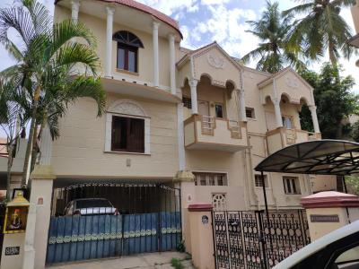 Gallery Cover Image of 4500 Sq.ft 6 BHK Independent House for buy in Choolaimedu for 67500000