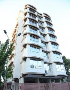 Gallery Cover Image of 838 Sq.ft 3 BHK Apartment for rent in Chembur for 50000