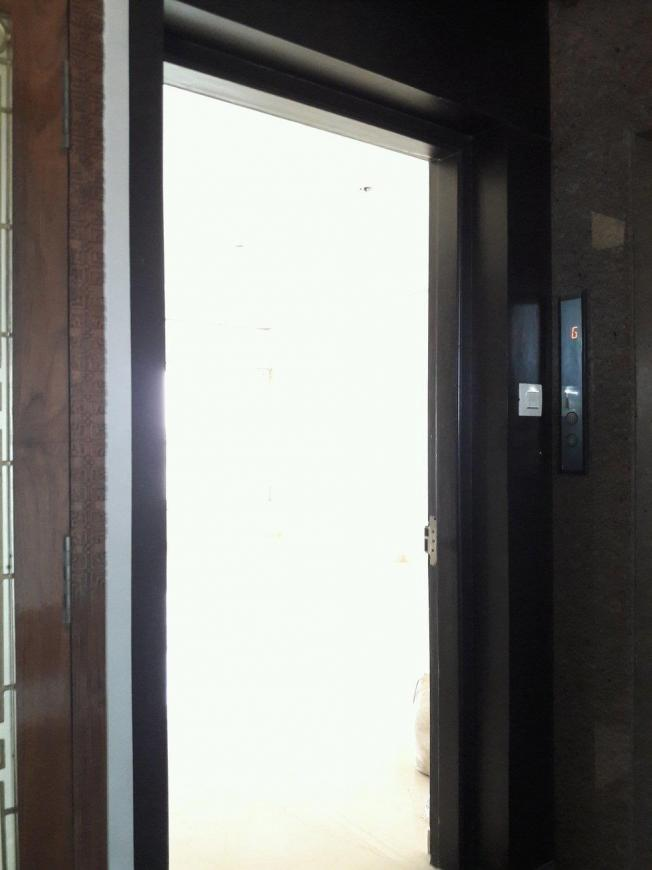 Main Entrance Image of 1850 Sq.ft 4 BHK Apartment for buy in Borivali West for 43100000