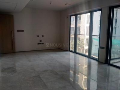 Gallery Cover Image of 2500 Sq.ft 4 BHK Apartment for rent in Bandra East for 260000