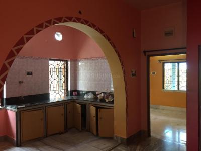 Gallery Cover Image of 750 Sq.ft 2 BHK Independent Floor for rent in Paschim Barisha for 9000