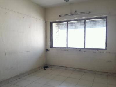 Gallery Cover Image of 700 Sq.ft 2 BHK Apartment for rent in Kandivali East for 21000