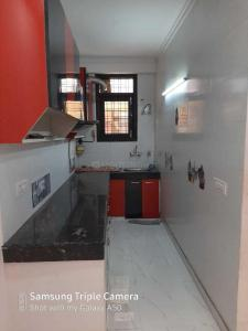 Gallery Cover Image of 1500 Sq.ft 3 BHK Apartment for rent in Chhattarpur for 16000