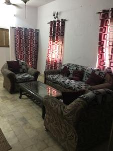 Gallery Cover Image of 1200 Sq.ft 3 BHK Independent Floor for rent in Vikaspuri for 35000