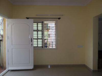 Gallery Cover Image of 400 Sq.ft 1 BHK Apartment for rent in Jayanagar for 12000