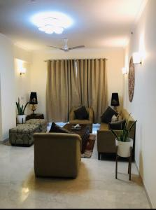Gallery Cover Image of 1950 Sq.ft 3 BHK Apartment for buy in Capital Residency 360, Sector 70 for 10000000