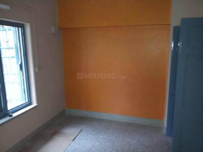 Gallery Cover Image of 850 Sq.ft 2 BHK Apartment for rent in Lake Town for 11500