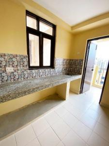 Gallery Cover Image of 1000 Sq.ft 2 BHK Apartment for buy in Apex Our Homes, Sector 37C for 3300000