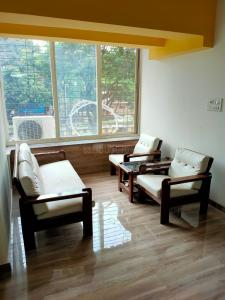 Gallery Cover Image of 450 Sq.ft 1 BHK Apartment for buy in Chembur for 9000000