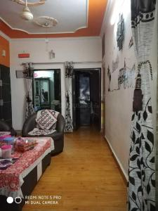 Gallery Cover Image of 900 Sq.ft 2 BHK Independent Floor for buy in Pitampura for 9000000