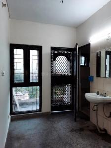 Gallery Cover Image of 550 Sq.ft 1 BHK Apartment for buy in Sarita Vihar for 3600000