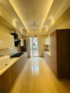 Gallery Cover Image of 2000 Sq.ft 4 BHK Independent Floor for buy in Sector 67 for 17000000