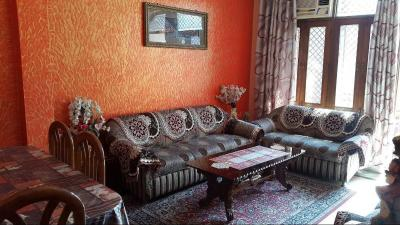 Gallery Cover Image of 1170 Sq.ft 3 BHK Independent Floor for buy in Barakhamba for 8200000