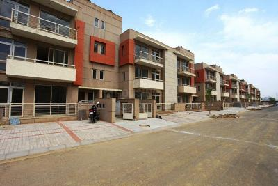 Gallery Cover Image of 2160 Sq.ft 3 BHK Independent Floor for rent in Sector 50 for 32000