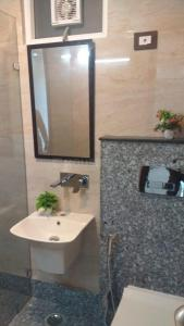Gallery Cover Image of 1836 Sq.ft 3 BHK Independent Floor for buy in Sector 39 for 11000000