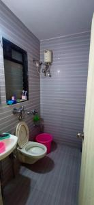 Bathroom Image of Oxotel,paying Guest Flats In Mumbai in Kanjurmarg West