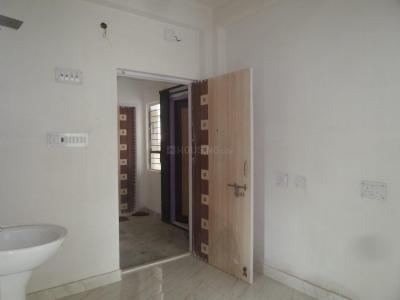 Gallery Cover Image of 600 Sq.ft 2 BHK Apartment for rent in Bijoygarh for 7000